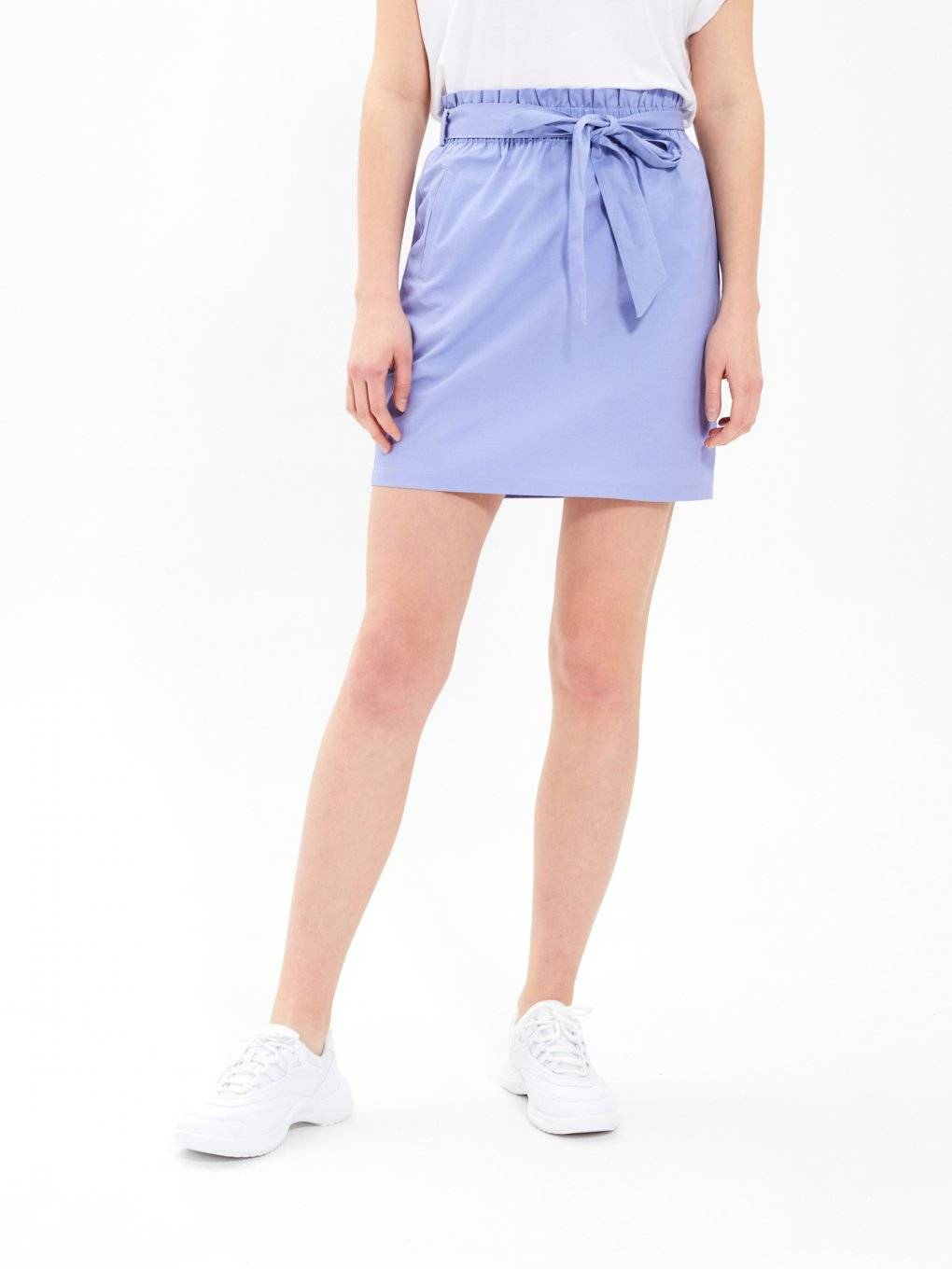 Paperbag skirt with belt