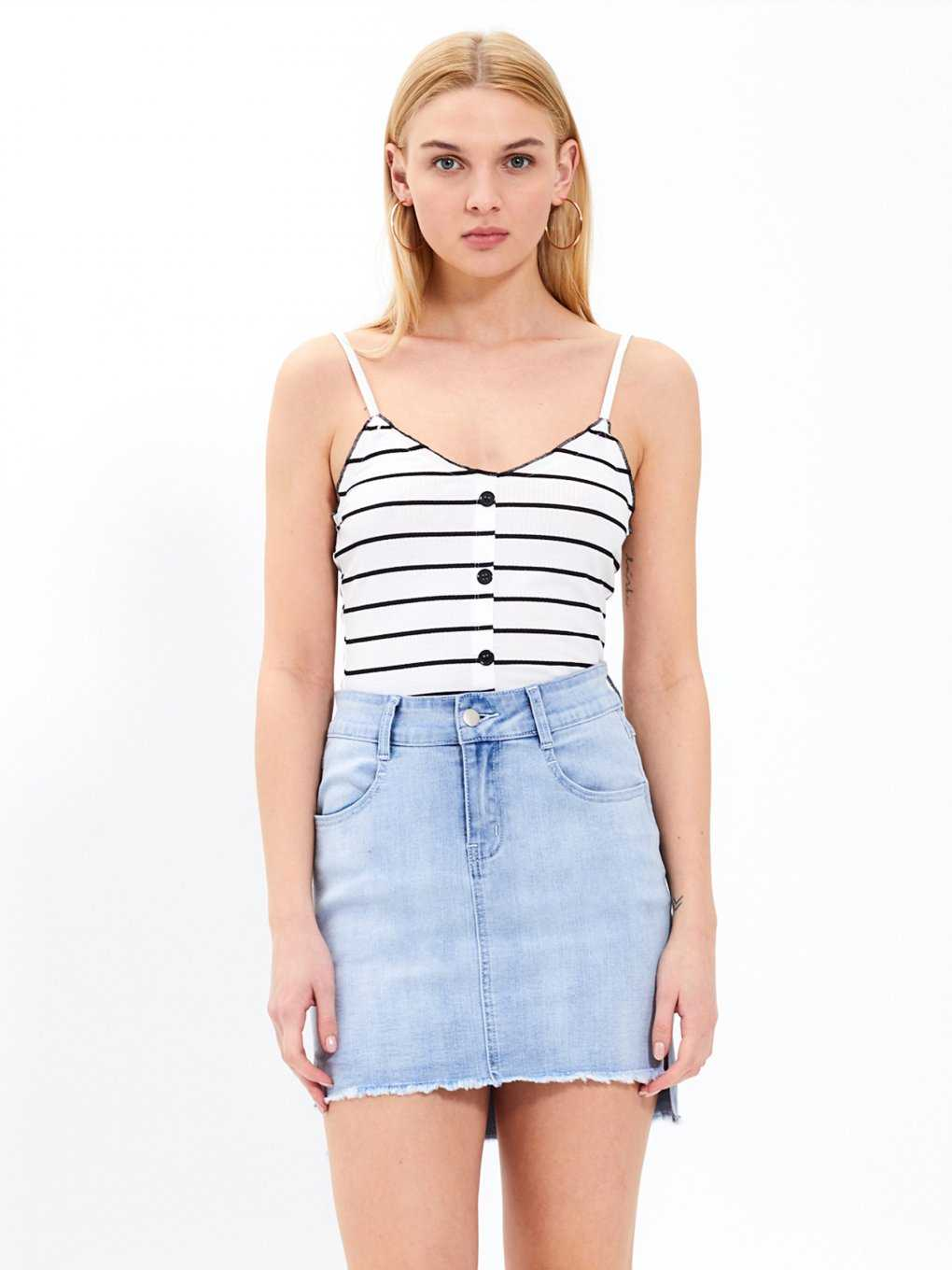 Striped tank with buttons