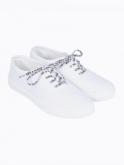 Plimsolls with printed shoelaces