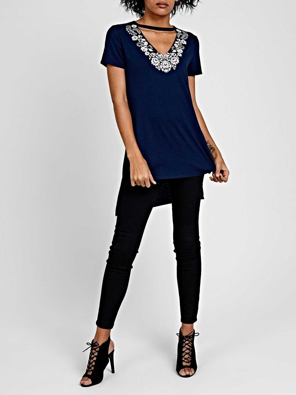LONGLINE T-SHIRT WITH CHOKER COLLAR