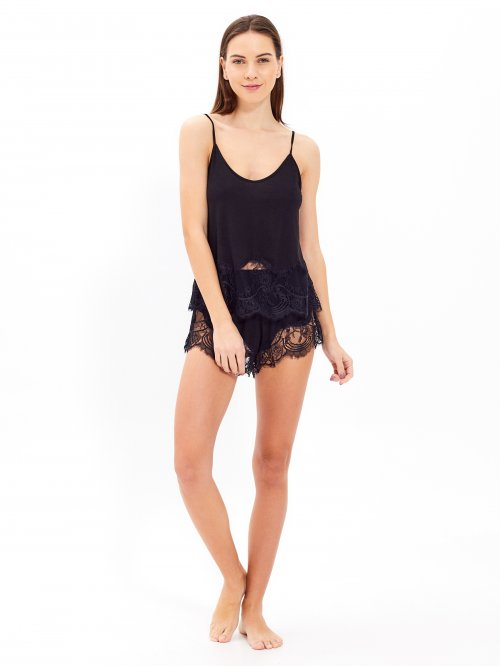 Pyjama shorts with lace