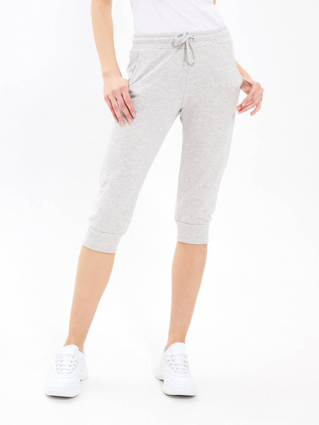 Basic 3/4-leg sweatpants