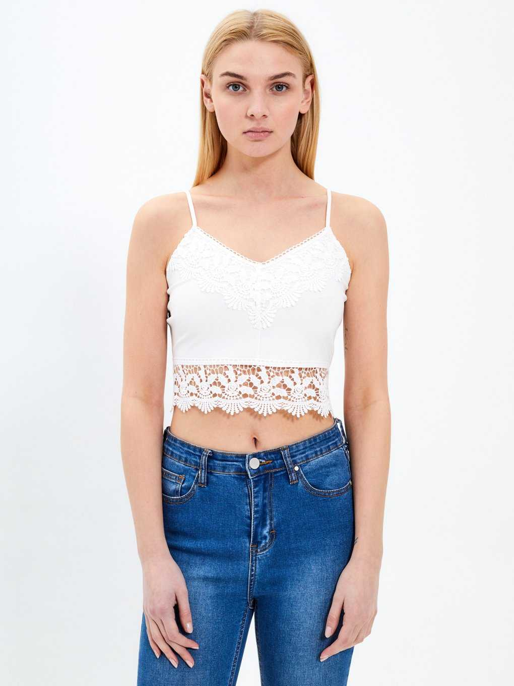 Crop top with lace