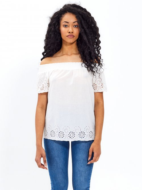 Broderie anglaise trimmed off-the-shoulder top