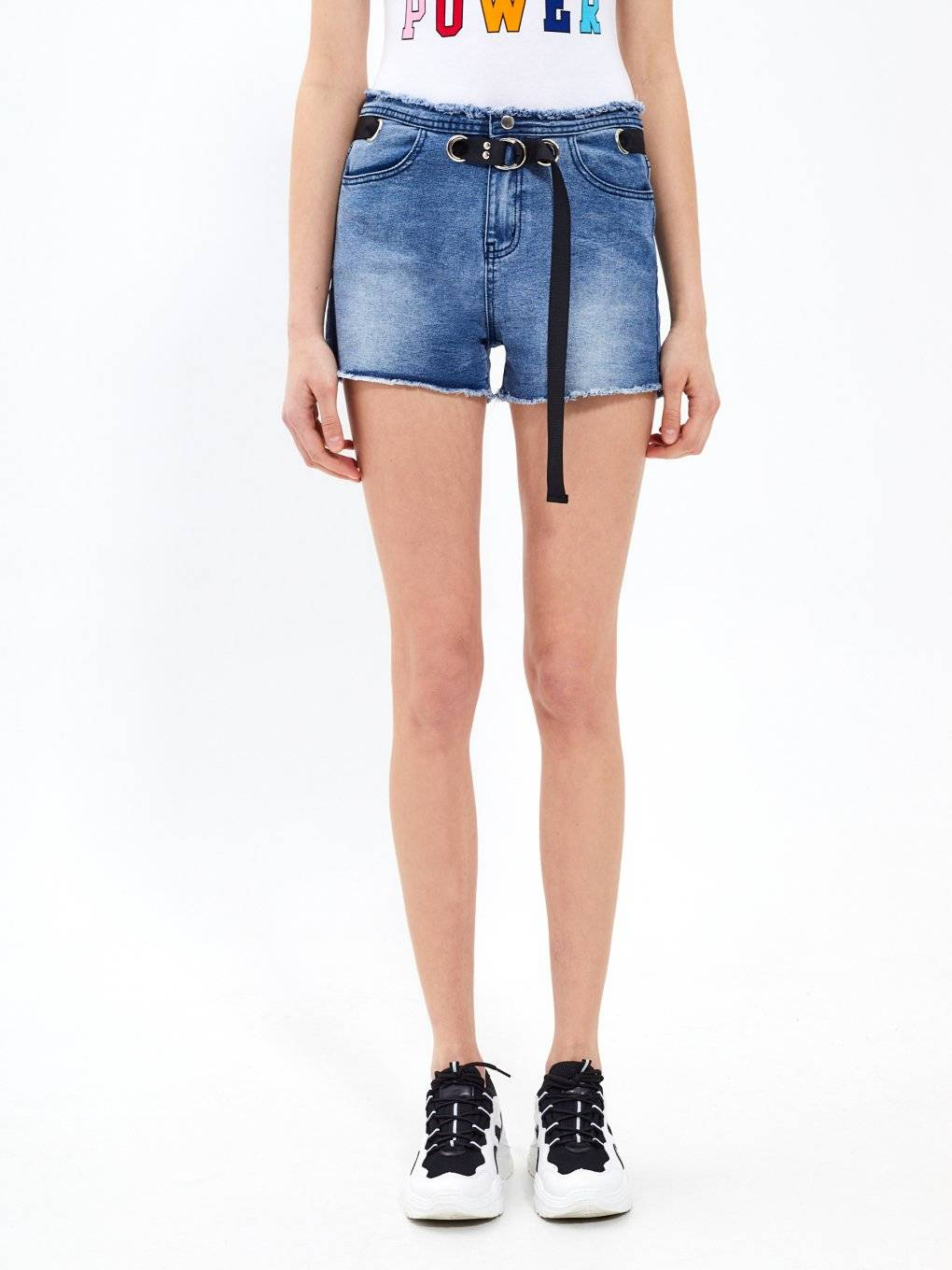 Denim shorts with contrast belt