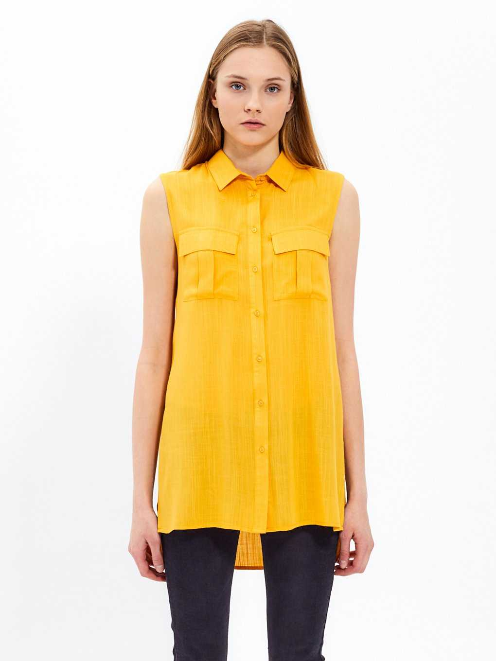 Sleeveless viscose shirt
