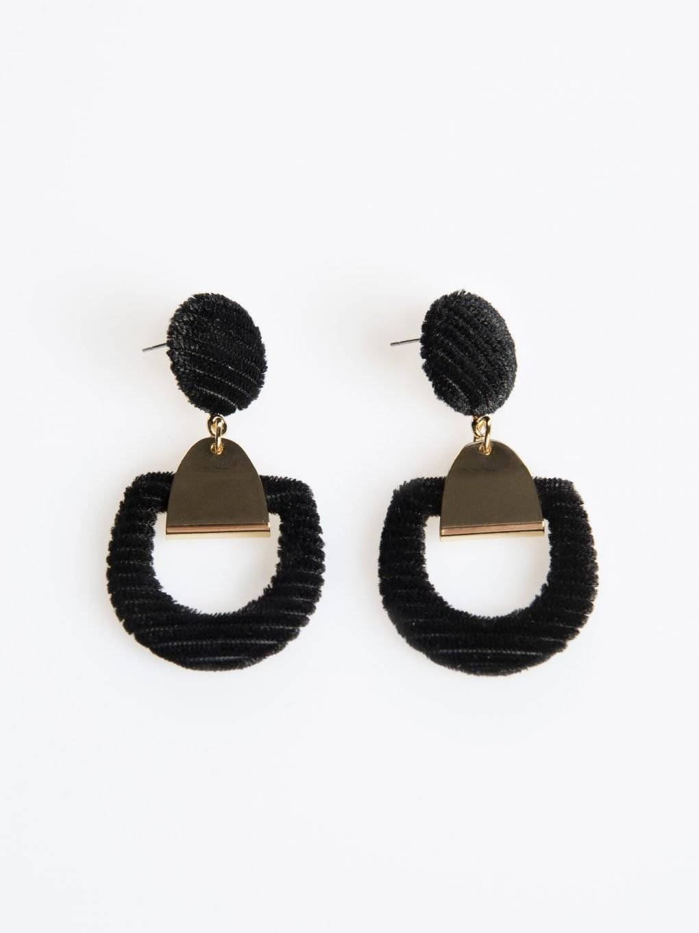 Earrings with corduroy detail