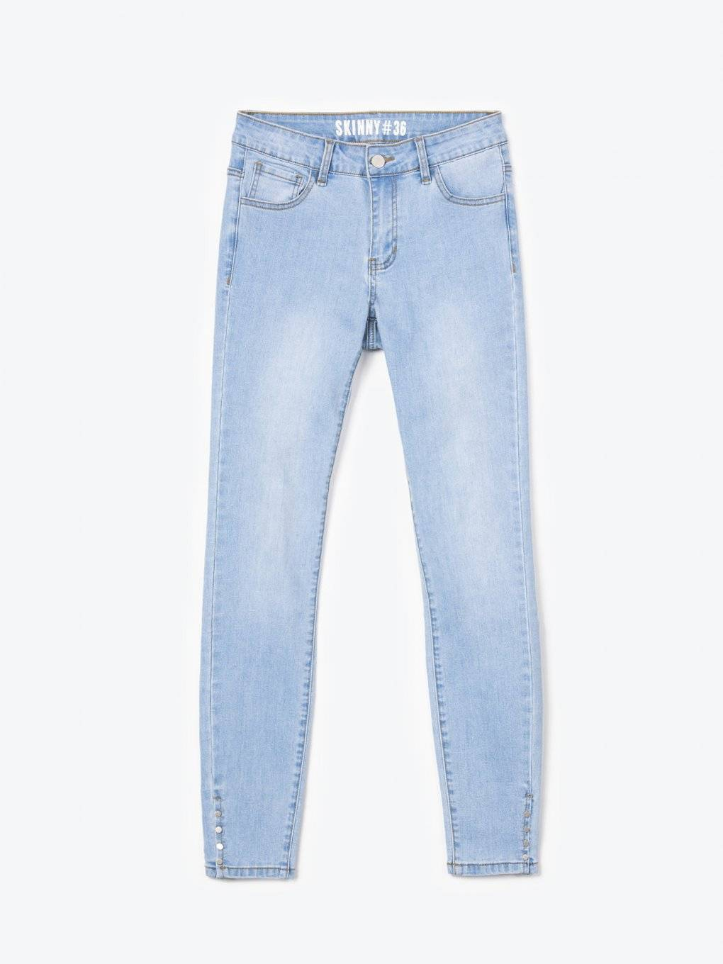 Skinny jeans with transparent back pockets