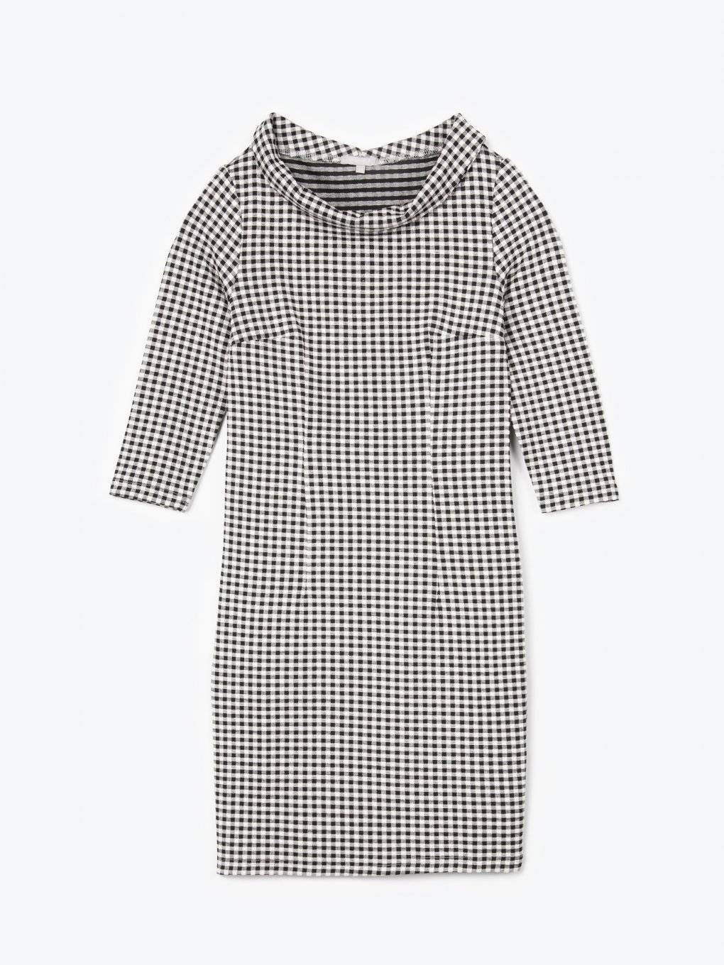 Gingham dress with wide collar