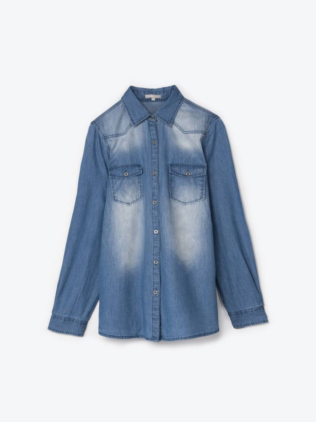 Denim bśhirt with chest pockets