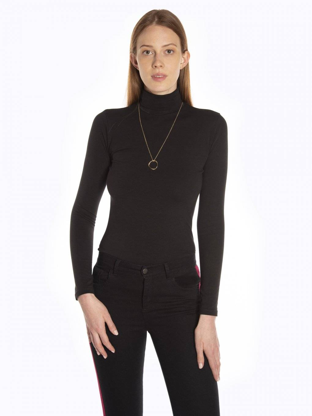 Basic turtleneck t-shirt