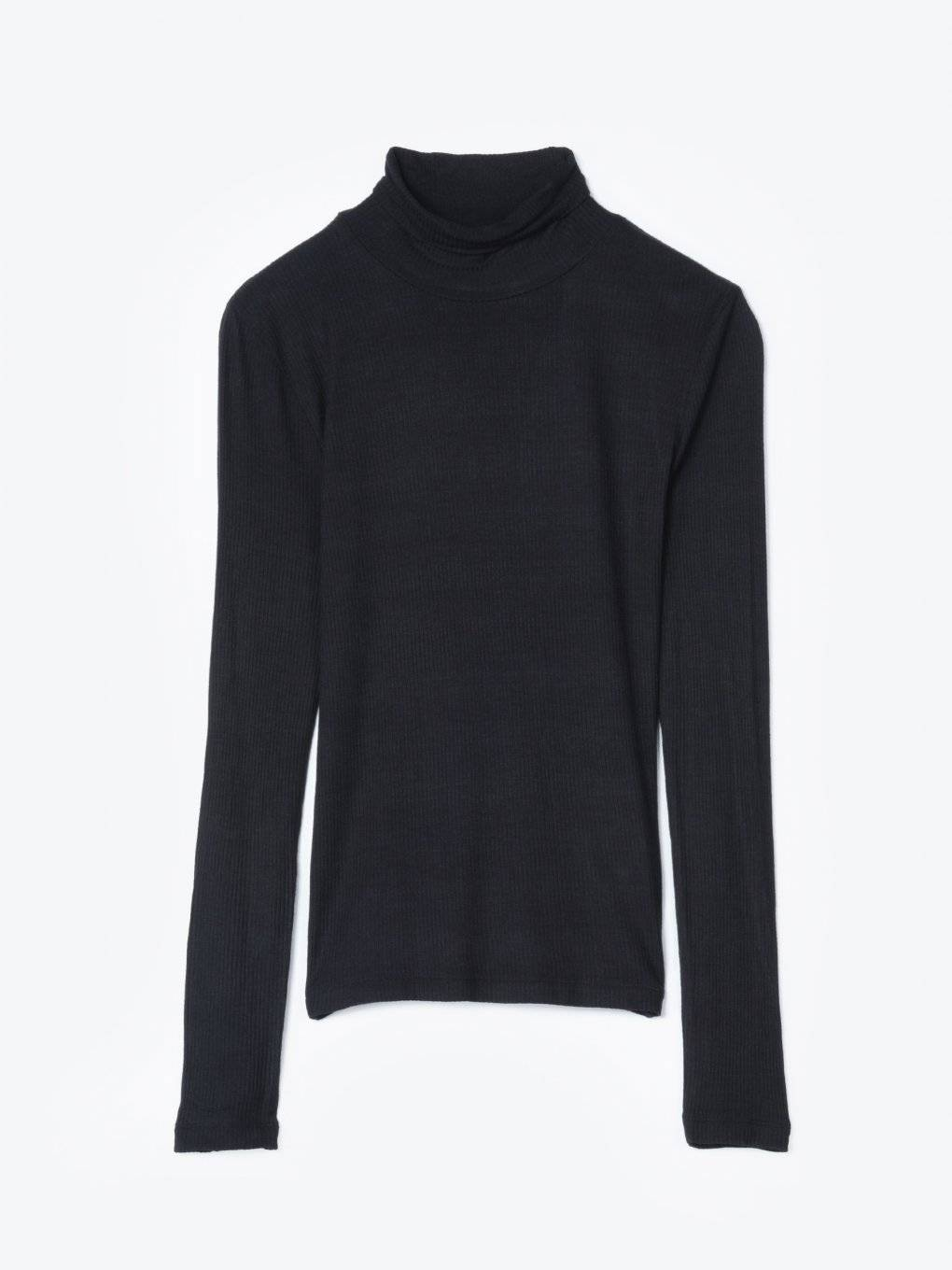 Basic ribbed turtleneck t-shirt