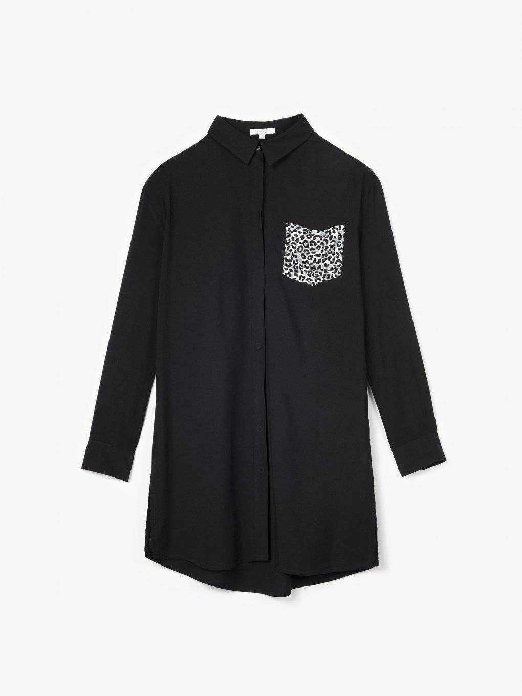 Longline viscose shirt with animal print on chest pocket