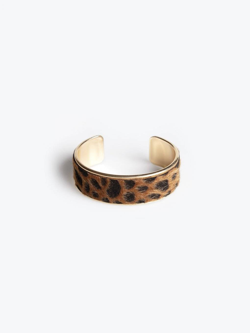 Bracelet with animal design