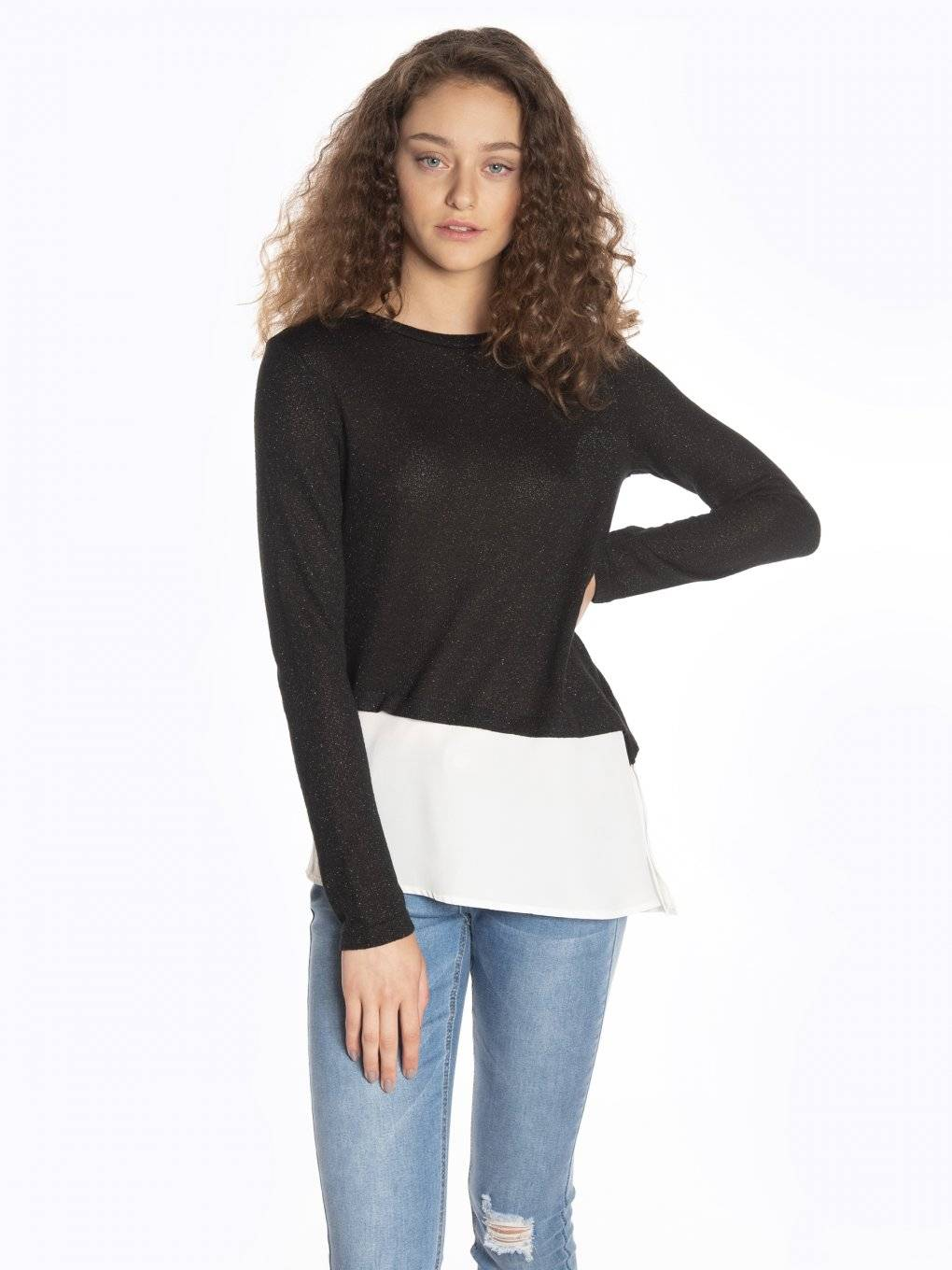 Combined pullover with asymmetric hem