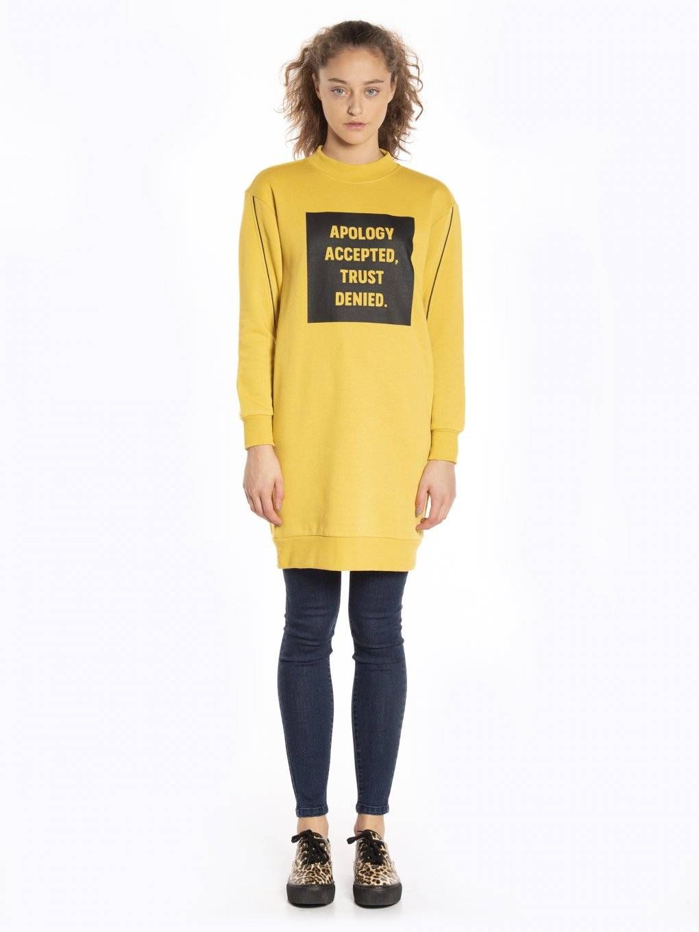 Sweatshirt dress with message print