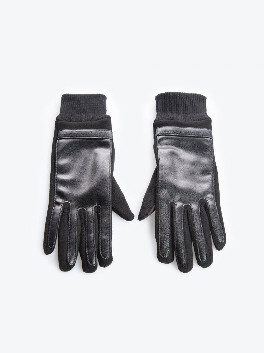 Combined touchscreen gloves