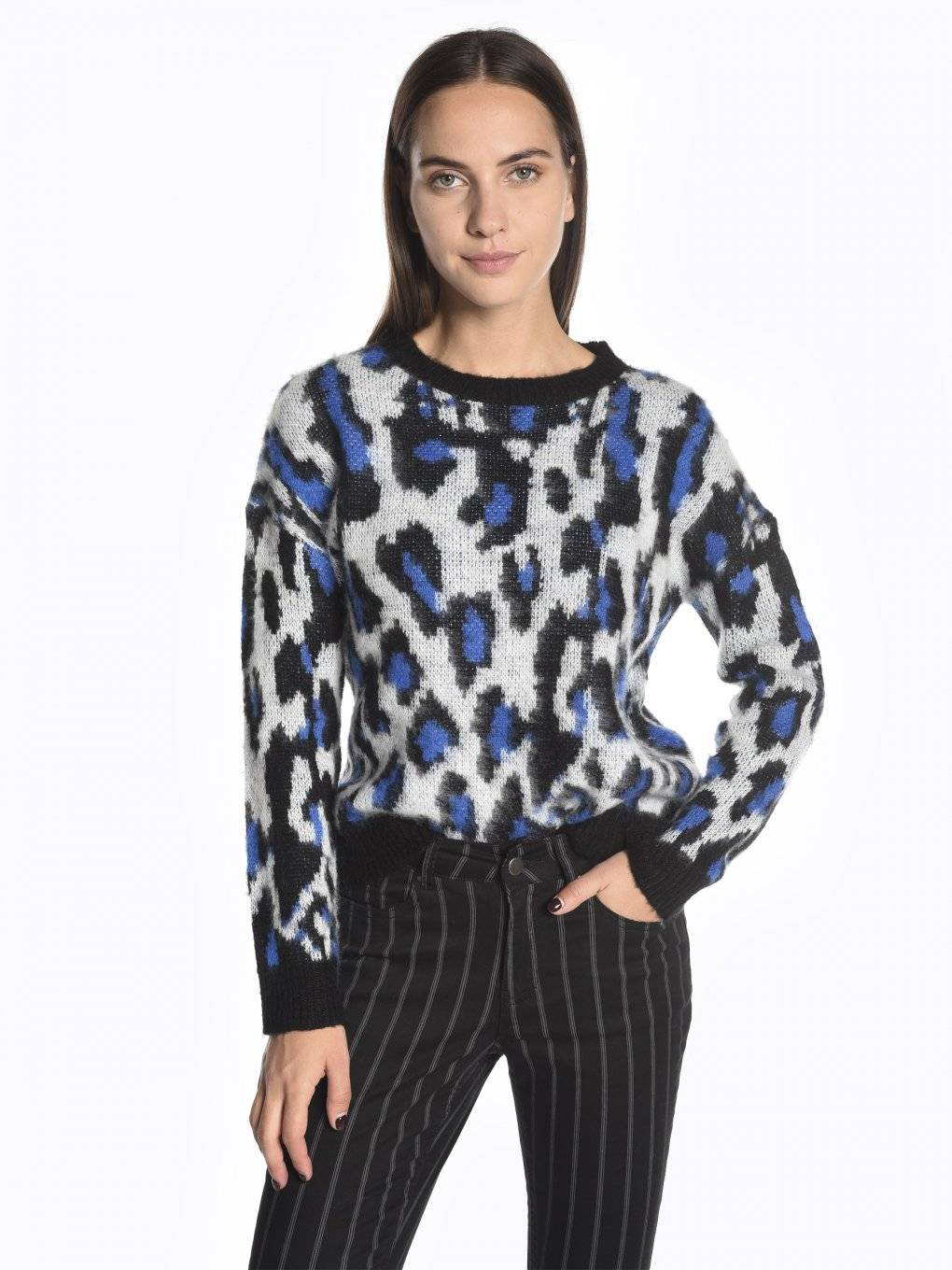 Animal pattern sweater