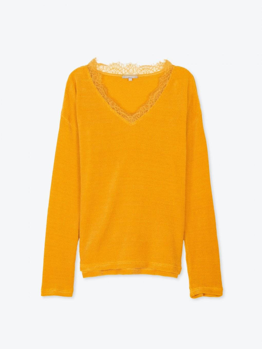 Loose fit v-neck jumper with lace