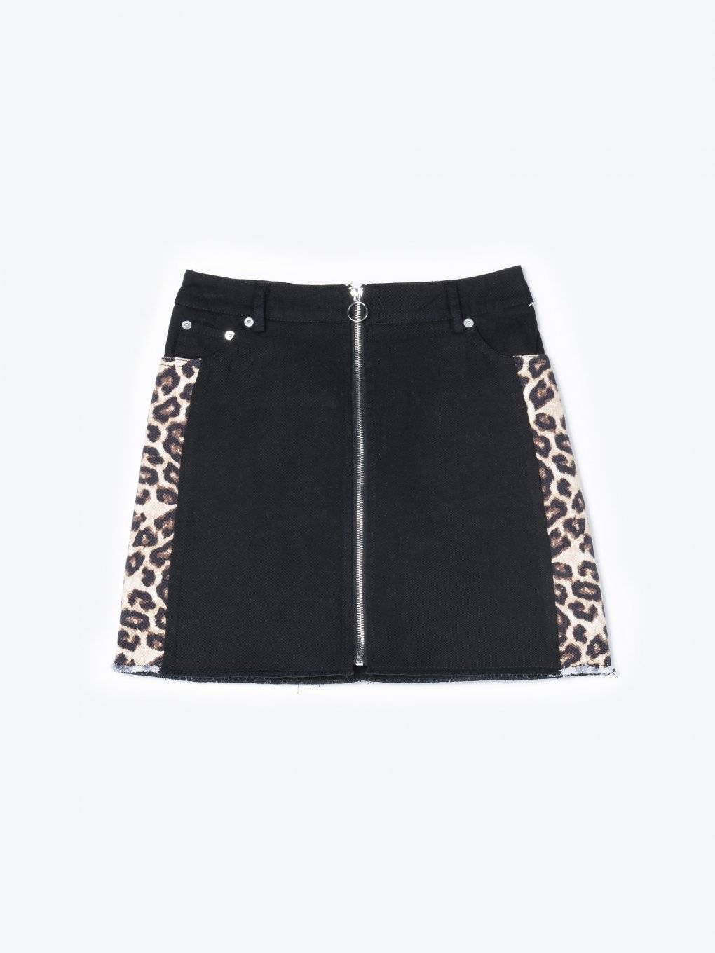 Denim skirt with animal print
