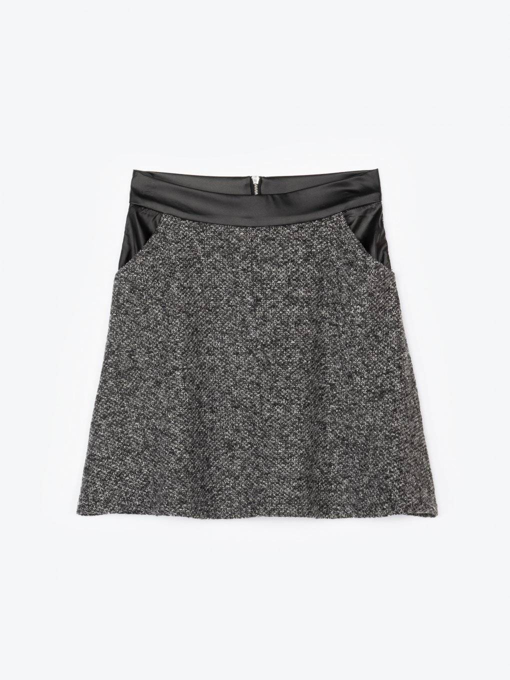 Combined a-line marled skirt with pockets
