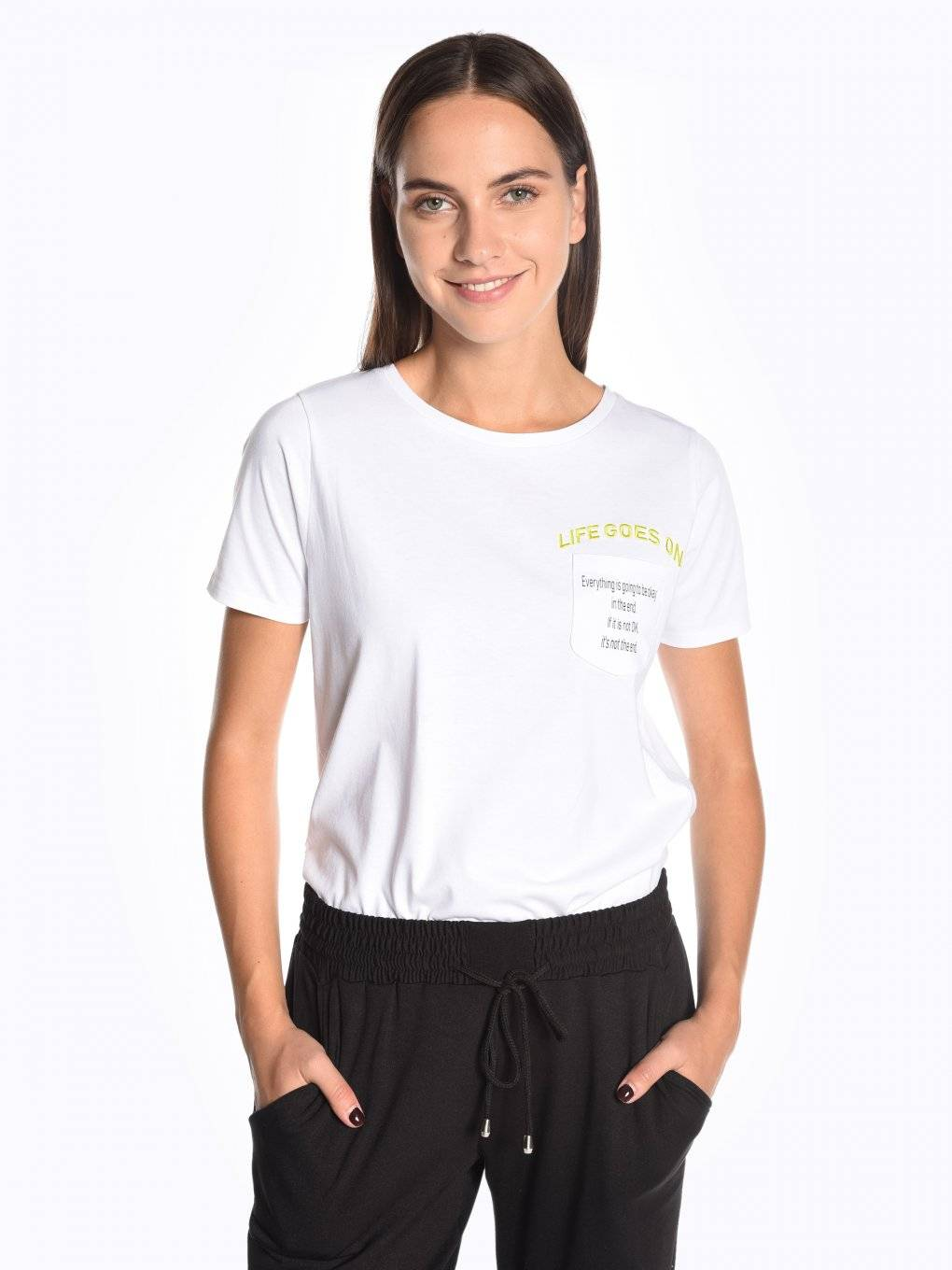 Short sleeve t-shirt with chest pocket and embroidery
