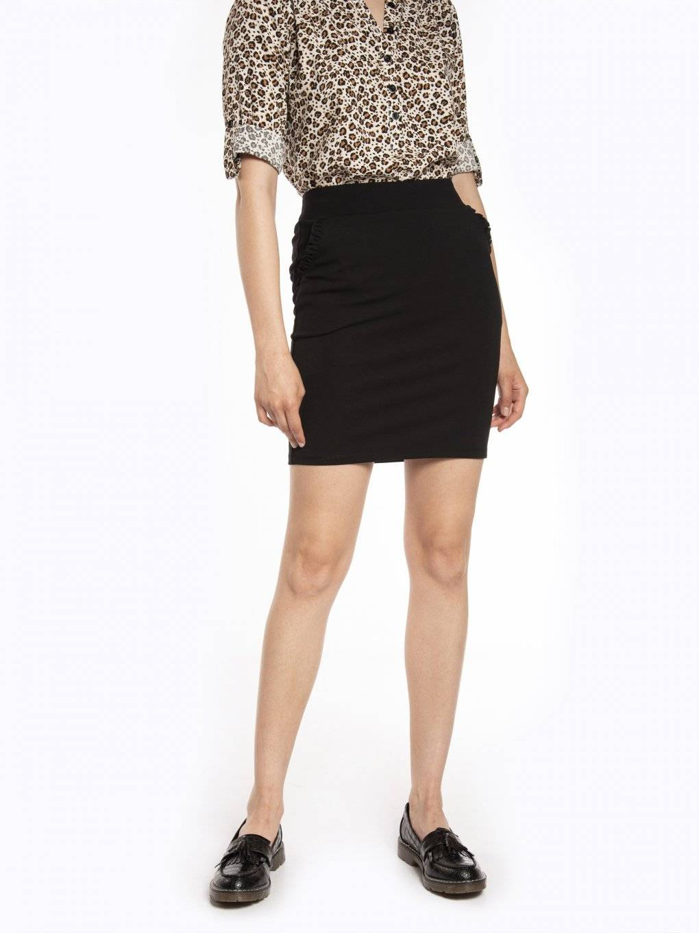 Bodycon mini skirt with ruffles on pockets
