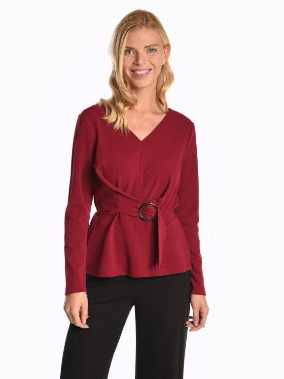 Blouse top with round buckle