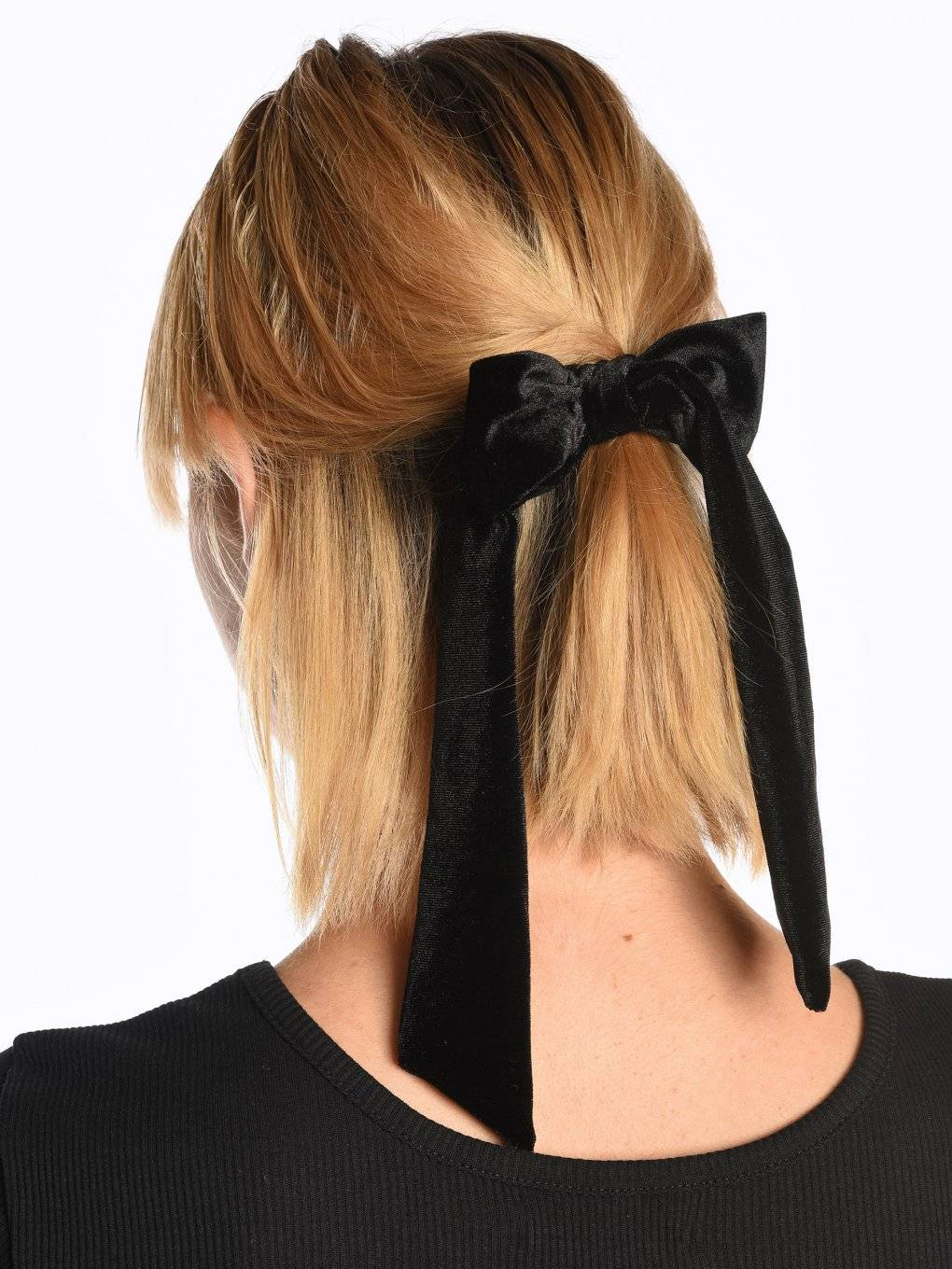 Velvet rubber band with bow