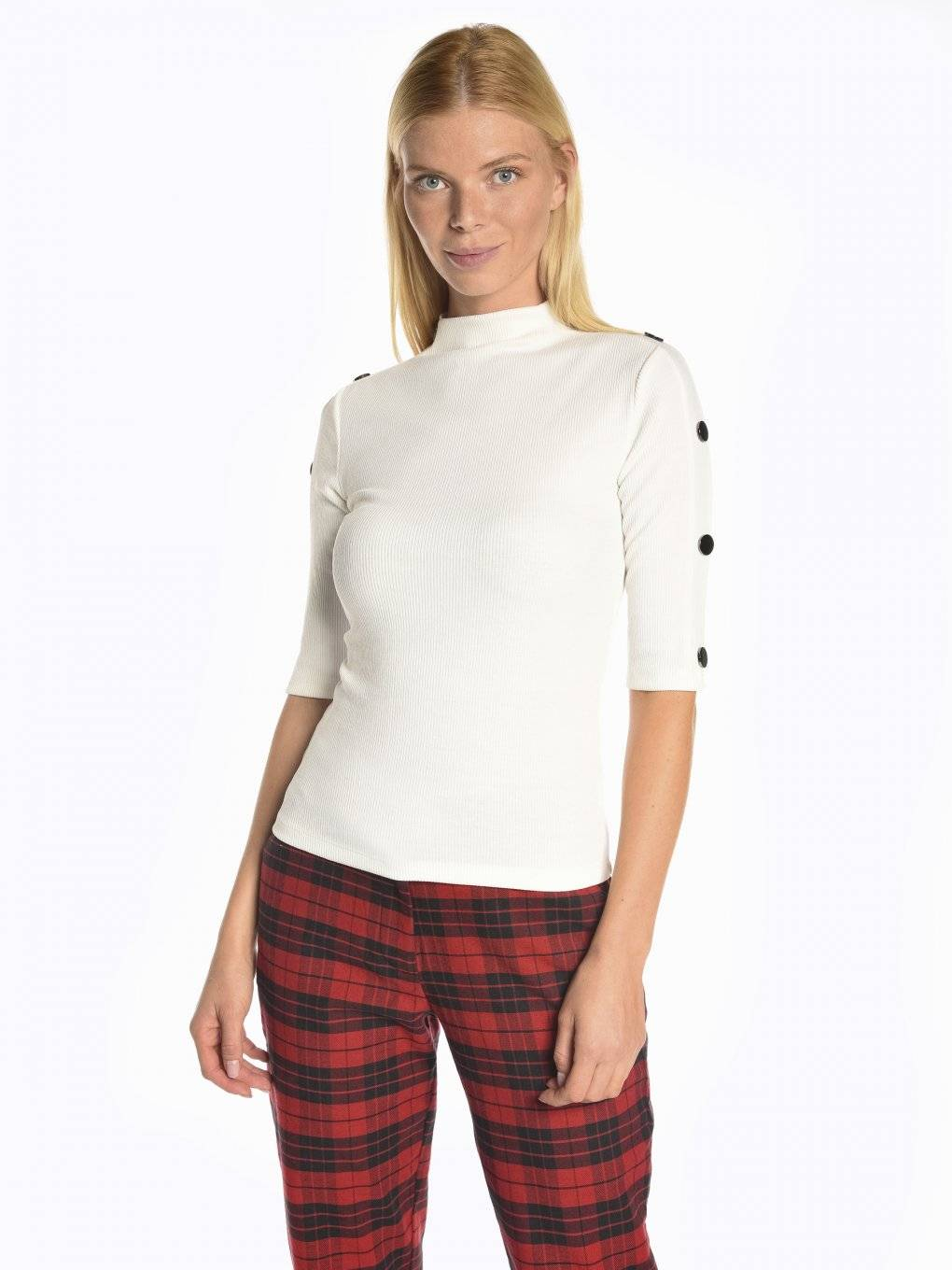 Ribbed top with sleeve buttons