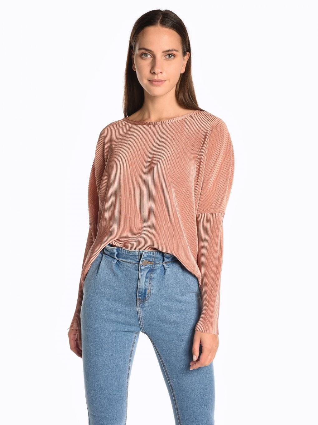 Oversized pleated top