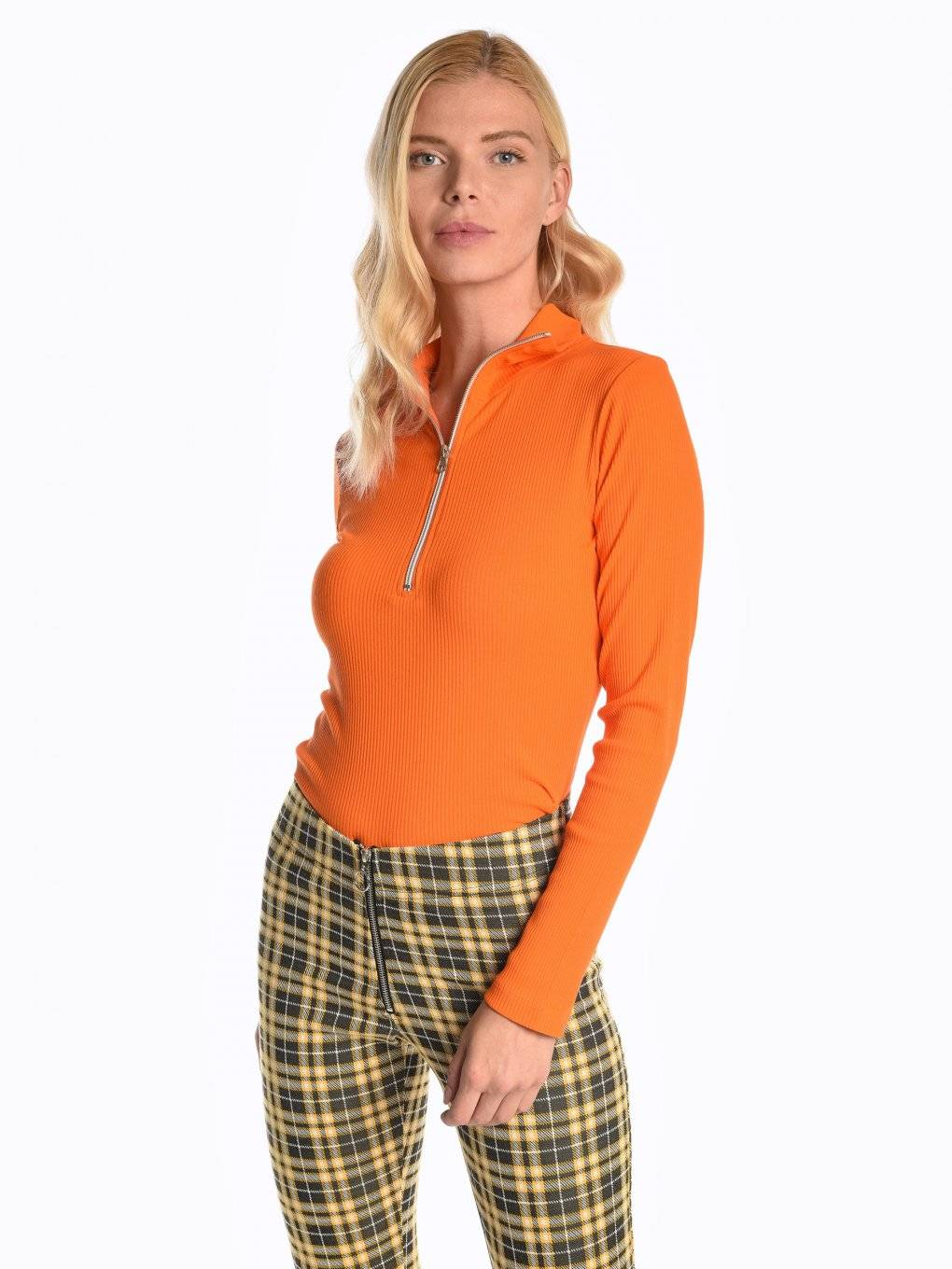 Ribbed long sleeve t-shirt with front zipper