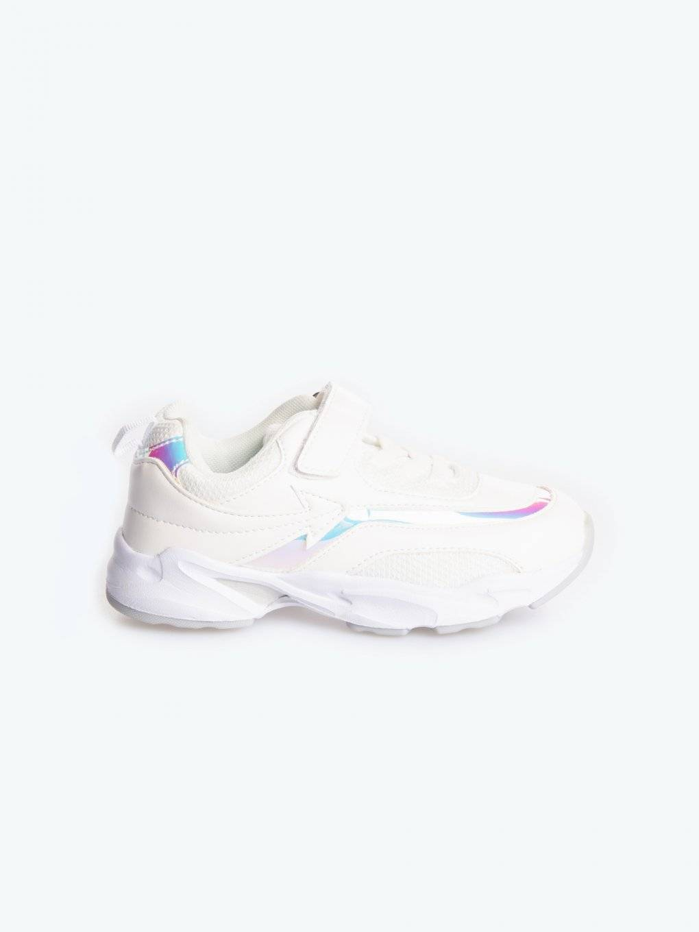 Sneakers with holographic detail
