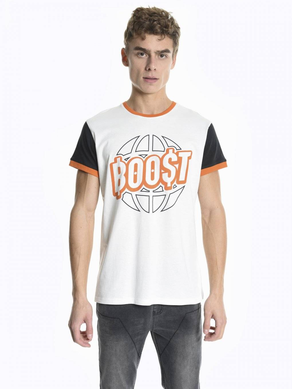 T-shirt with print and contrast sleeves