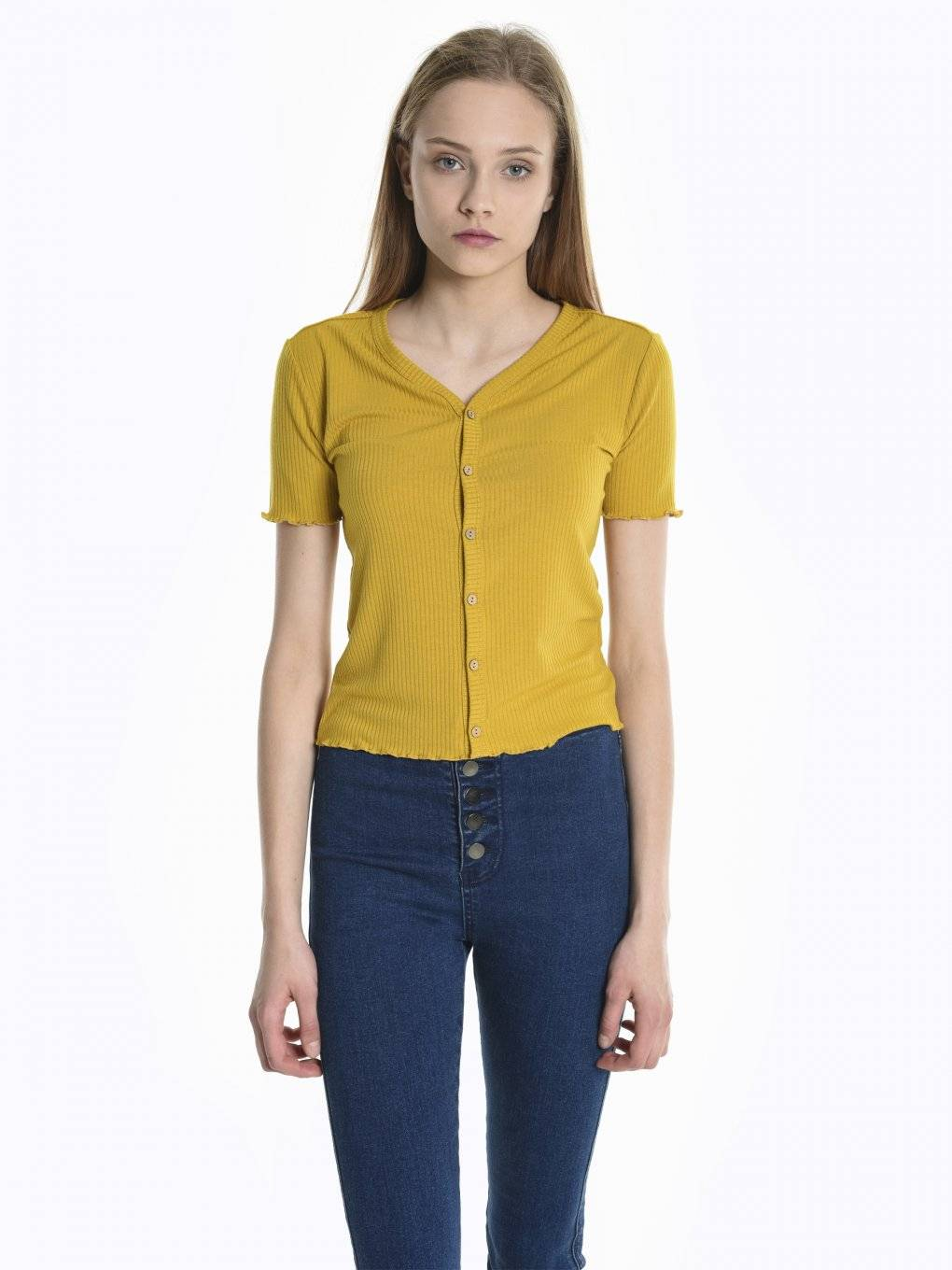 Ribbed v-neck short sleeve top with buttons