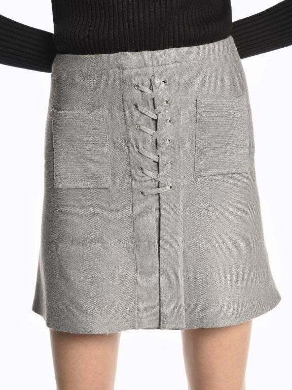 A-line lace-up skirt with pockets