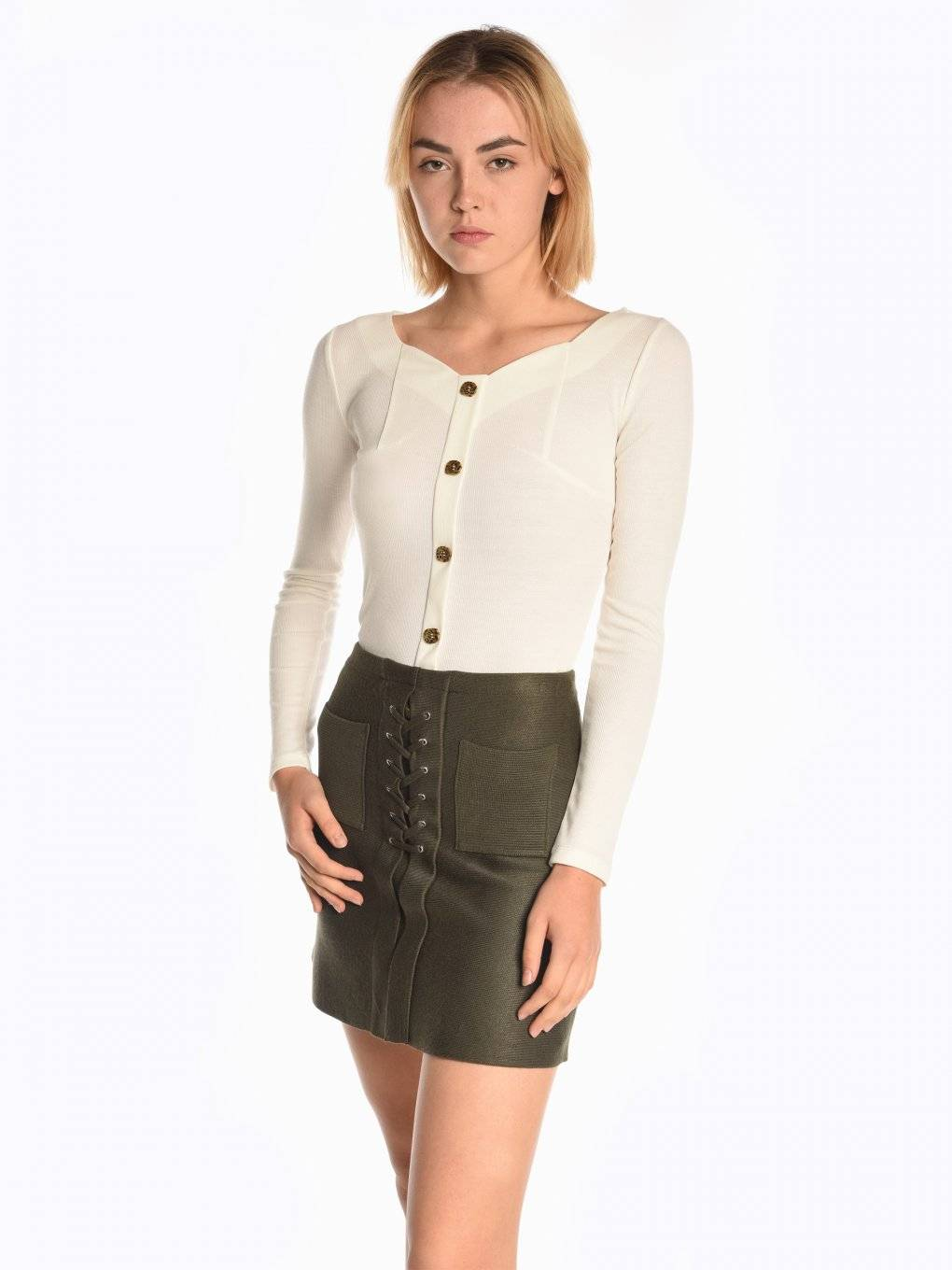 Ribbed top with buttons