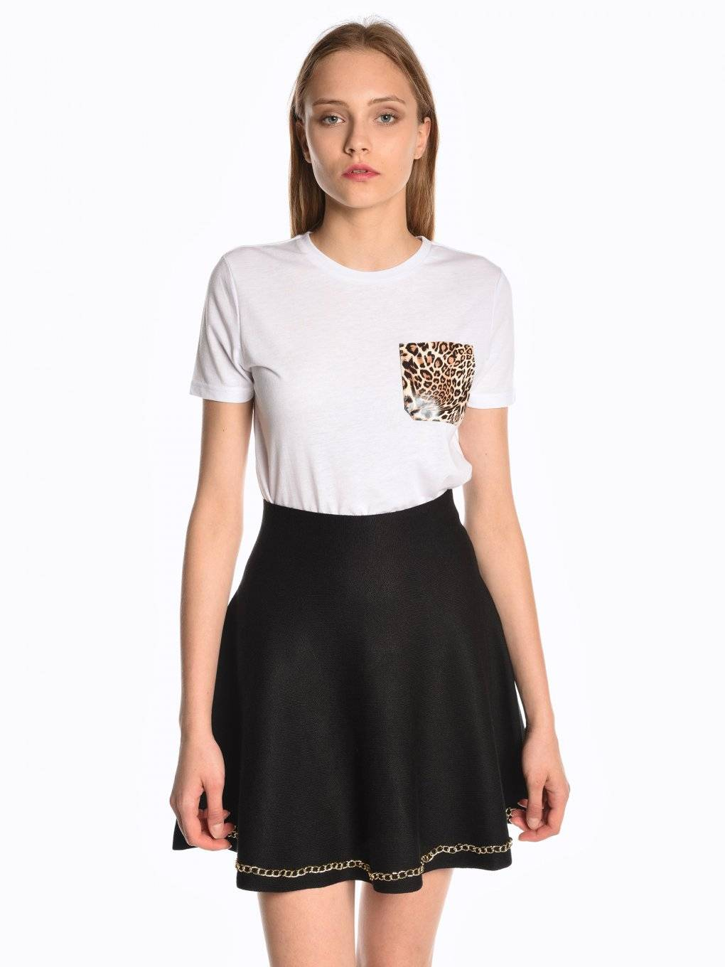 T-shirt with animal print on chest pocket