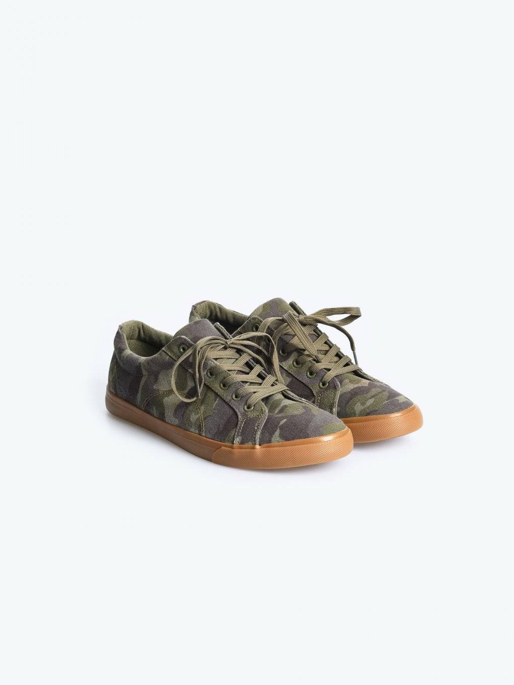Lace-up camo sneakers
