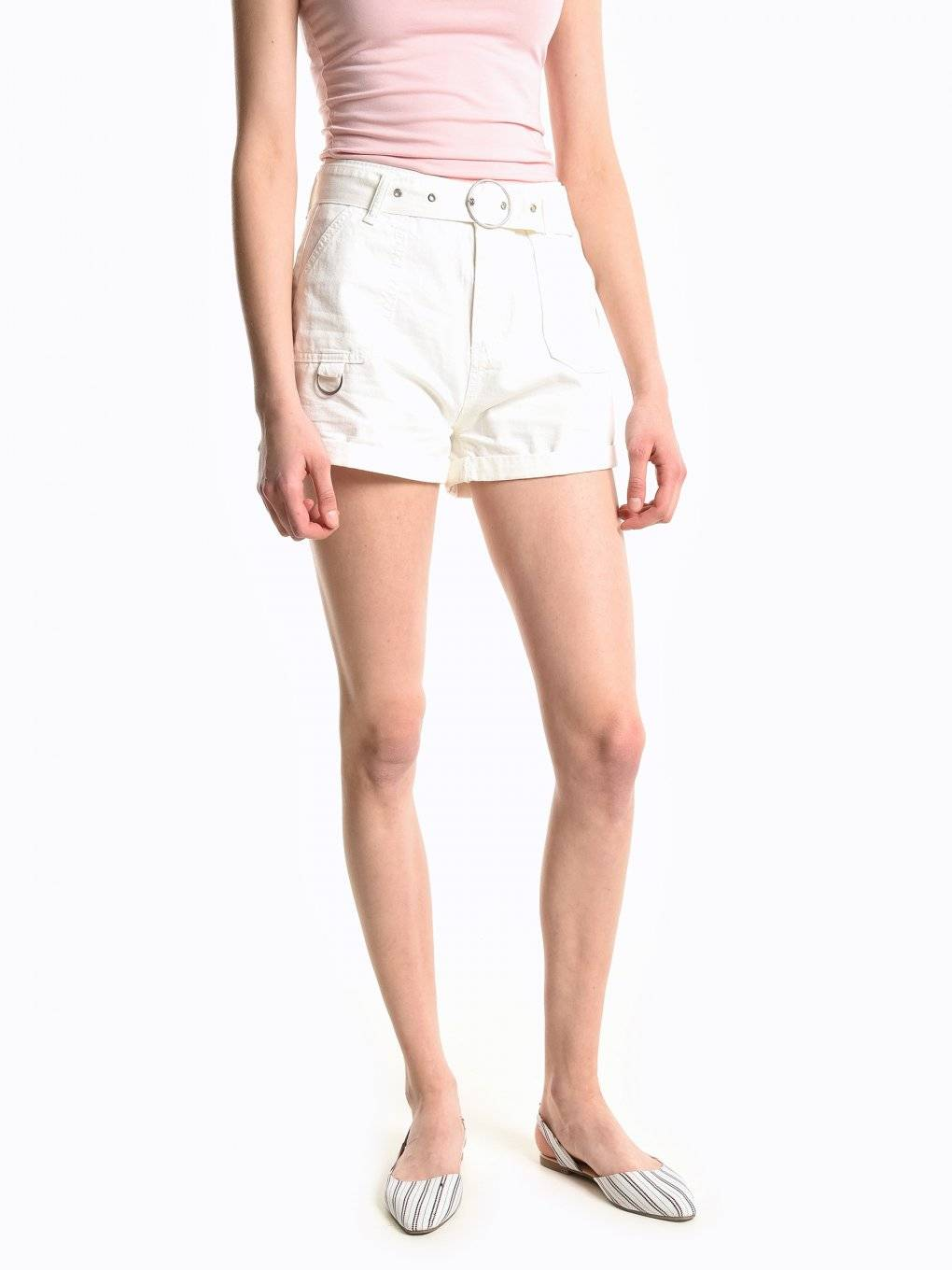 High waist shorts with decorative belt