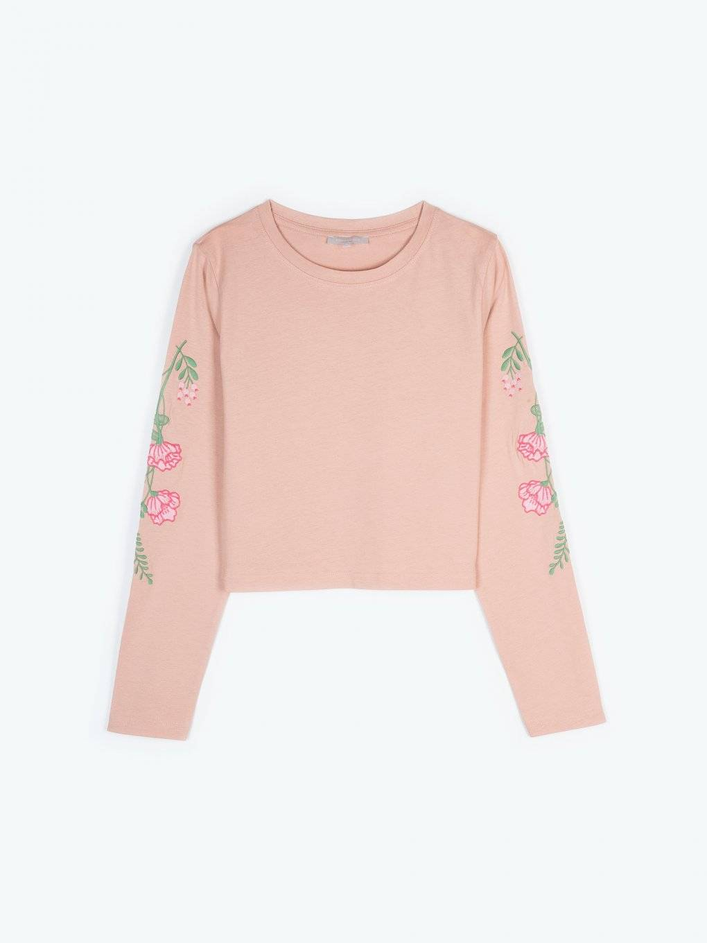 T-shirt with floral emroidery