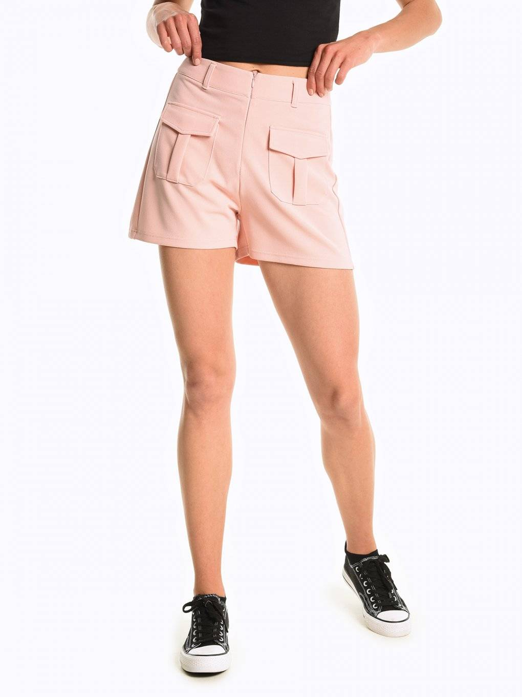 High waisted shorts with front pockets